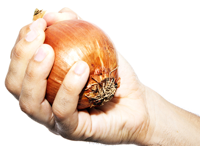 How to Get Onion Smell Off of Hands
