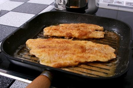 How to Get Fish Smell Out of Cast Iron Pan