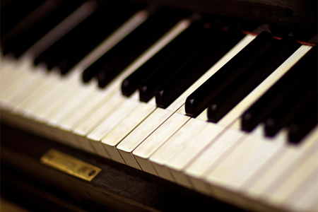 How to Get Smell Out of Piano