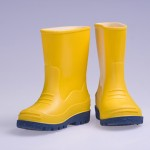 How to Get Smell Out of Rubber Rain Boots