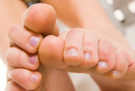 How to Get Rid of Smell Under Toenails
